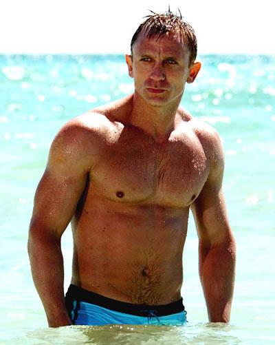 daniel_craig_shirtless_2